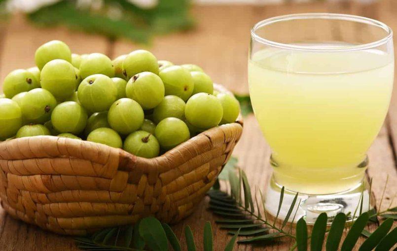 आंवला (Indian Gooseberry) विटामिन सी (C) से भरपूर है और यह शरीर में रोग प्रतिरोधक क्षमता को बढ़ाता है | आंवले का रस या स्वरस पके हुए रसदार आंवले में से निकाला जाता है और आंवले का चूर्ण आंवले को सुखाकर बनाया जाता है | यह एक रसायन है जो शरीर का कायाकल्प कर देता […]
